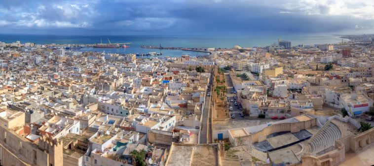 На каком языке говорят в Тунисе: официальные и на каком общаются